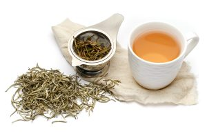 Benefits of White Tea Against Cancer, Aging, and Degenerative Diseases
